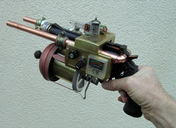 Steampunk Revolver left_1049_600.jpg