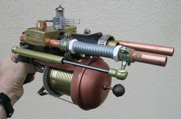 Steampunk Revolver right_1046_600.jpg